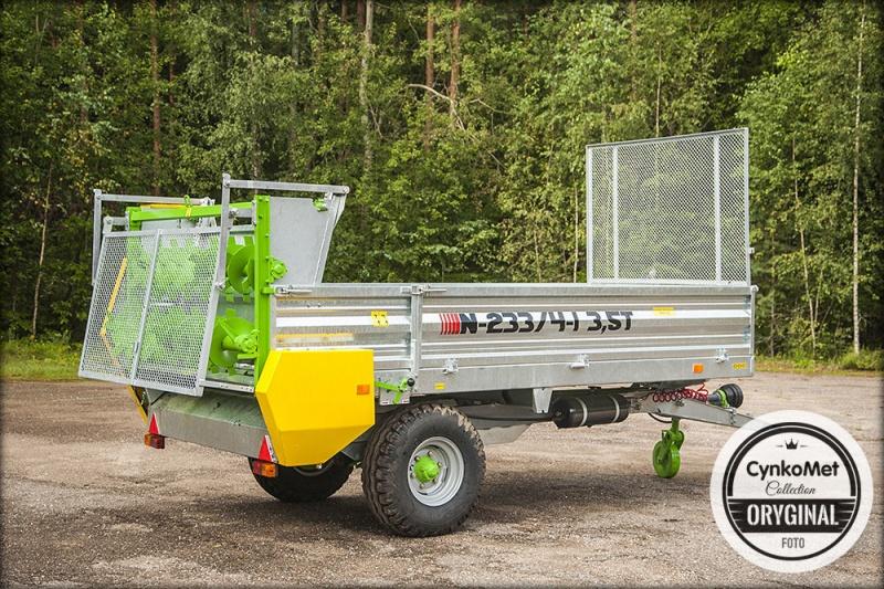 Remorcă pentru distribuirea îngrășămintelor menajere de 3500 kg