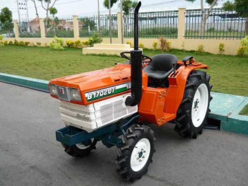 Tractor japonez Kubota ZB1702-M