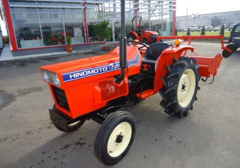 Tractor japonez Hinomoto E232
