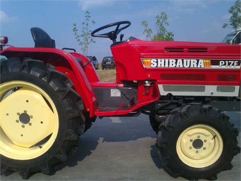 Tractor japonez Shibaura P17F