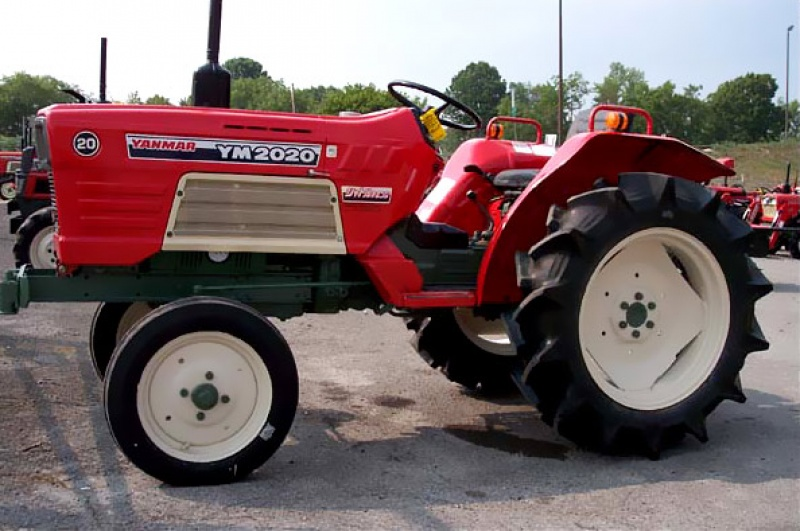 Tractor japonez Yanmar YM2020
